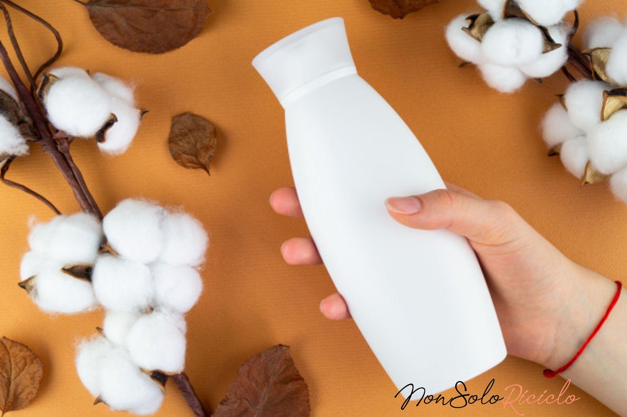Usate lo shampoo, non solo per i capelli, ma anche per la manicure. Incredibile ma vero.