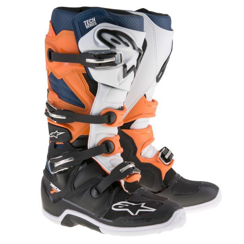 The Tech 7 Enduro Boot Features A Specifically Engineered Compound Sole To Provide Enduro Riders Superior Durability Gri Mx Boots Blue Boots Motorcycle Boots