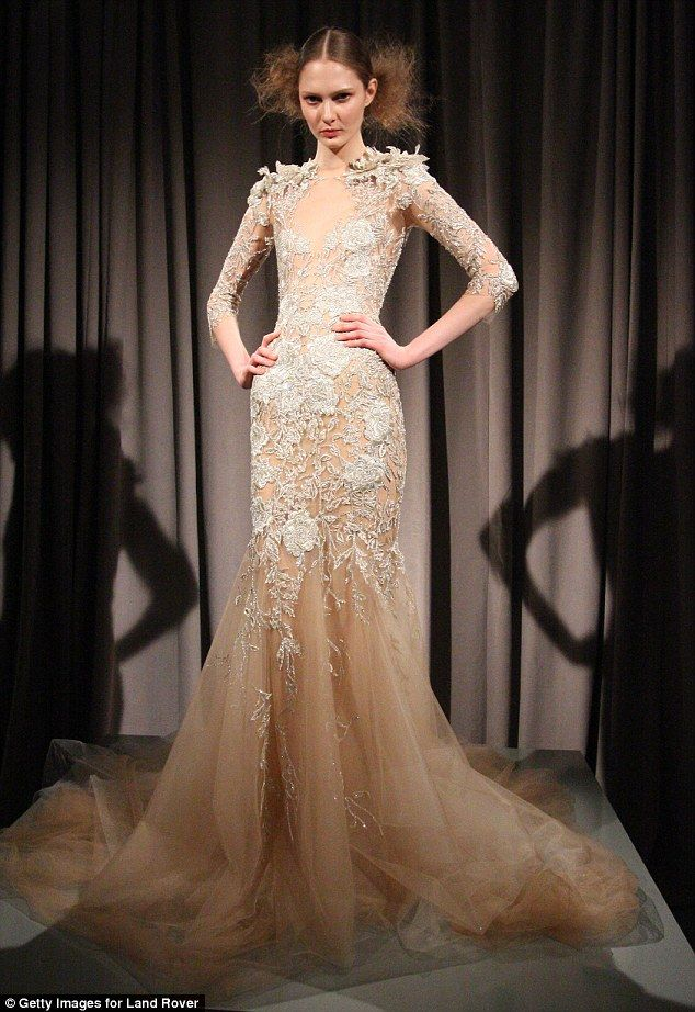 Behati prinsloo wedding dress details marchesa elizabeth banks behati prinsloo wedding dress details junglespirit Images