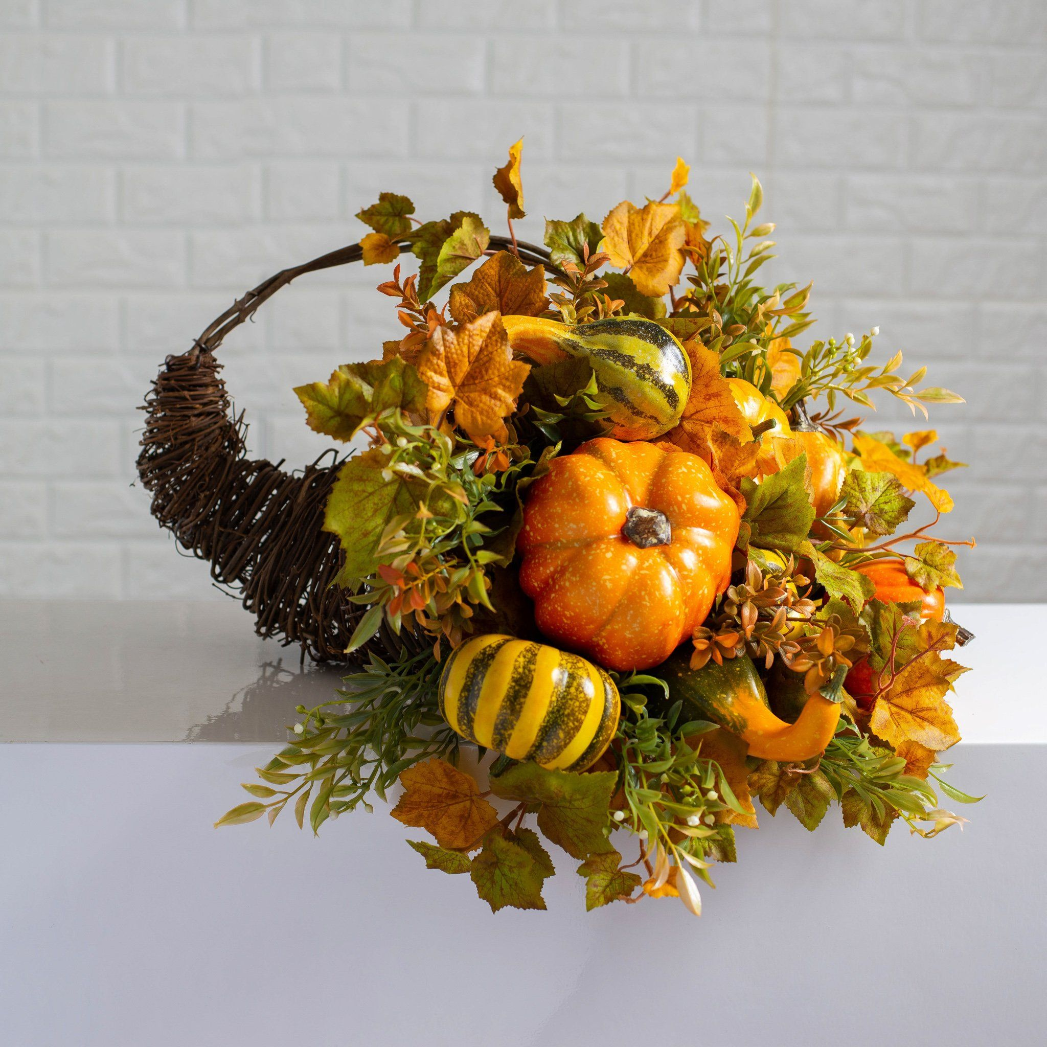 Classic Pumpkin Gourd Fall Leaves Thanksgiving Cornucopia Centerpiece Basket With Handle 3 Size Options In 2020 Thanksgiving Cornucopia Centerpiece Cornucopia Centerpiece Thanksgiving Cornucopia