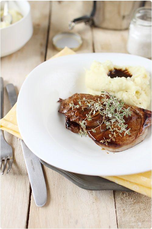 Tranches de gigot au miel moutarde et thym recette chefnini - Comment cuisiner un gigot d agneau ...