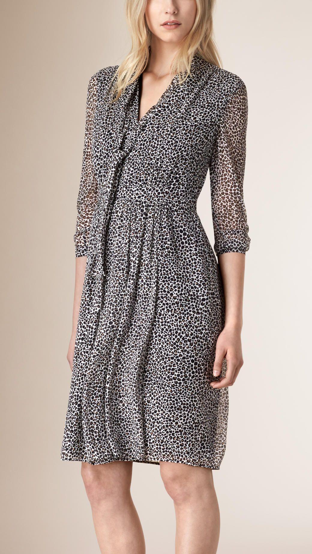 481ff99ba Vestido de crepe georgette de seda com animal print