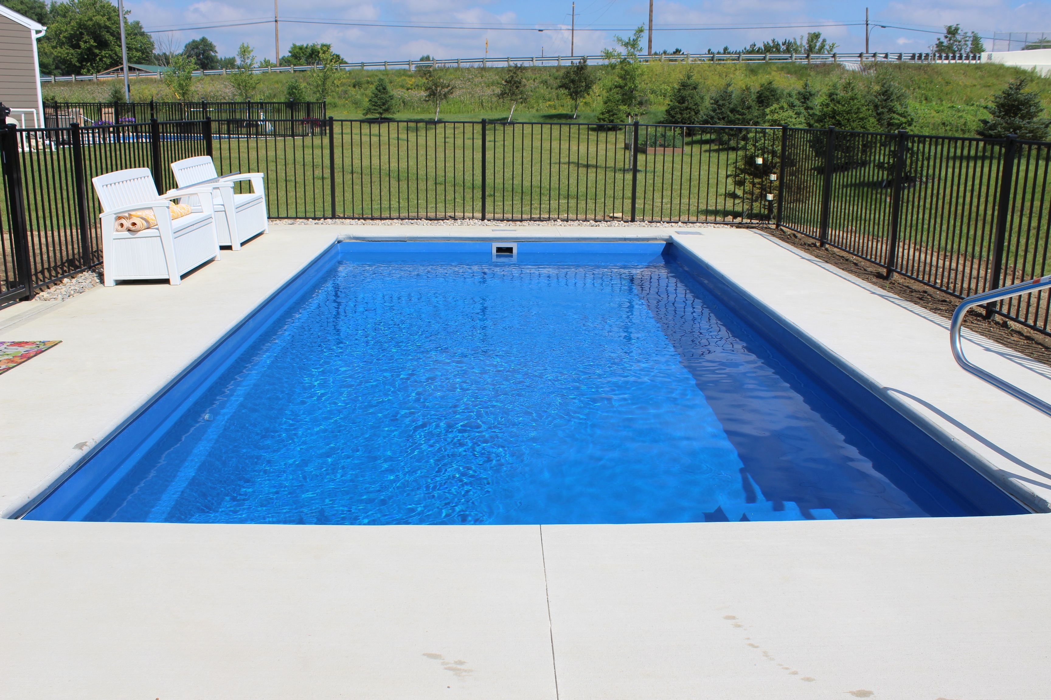 Imagine Pools Gives You The Freedom To Enjoy Life At Its Best The Owner Of This Ocean Blue Version Had Over Pool Fiberglass Swimming Pools Swimming Pools