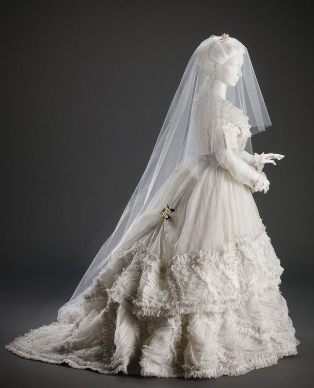 Victorian wedding gown from the 1850 39 s or early 1860 39 s for Victorian era wedding dresses
