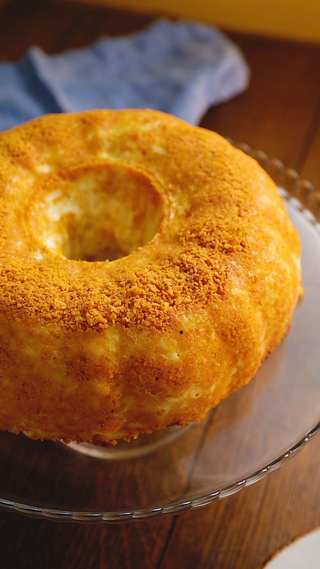 Mac And Cheese Crisp Bundt