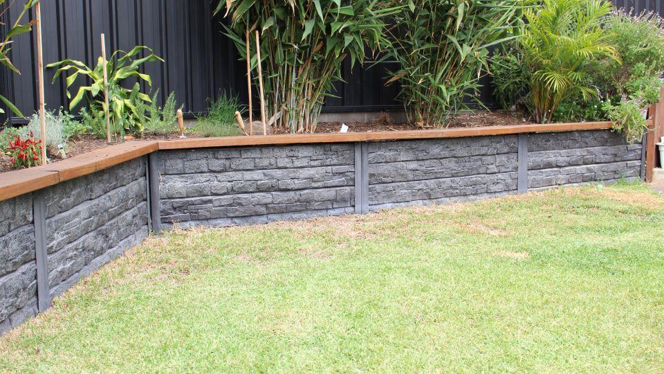 Ridgi Concrete Retaining Walls Bunnings Warehouse In 2020 Landscaping Retaining Walls Concrete Retaining Walls Backyard Retaining Walls