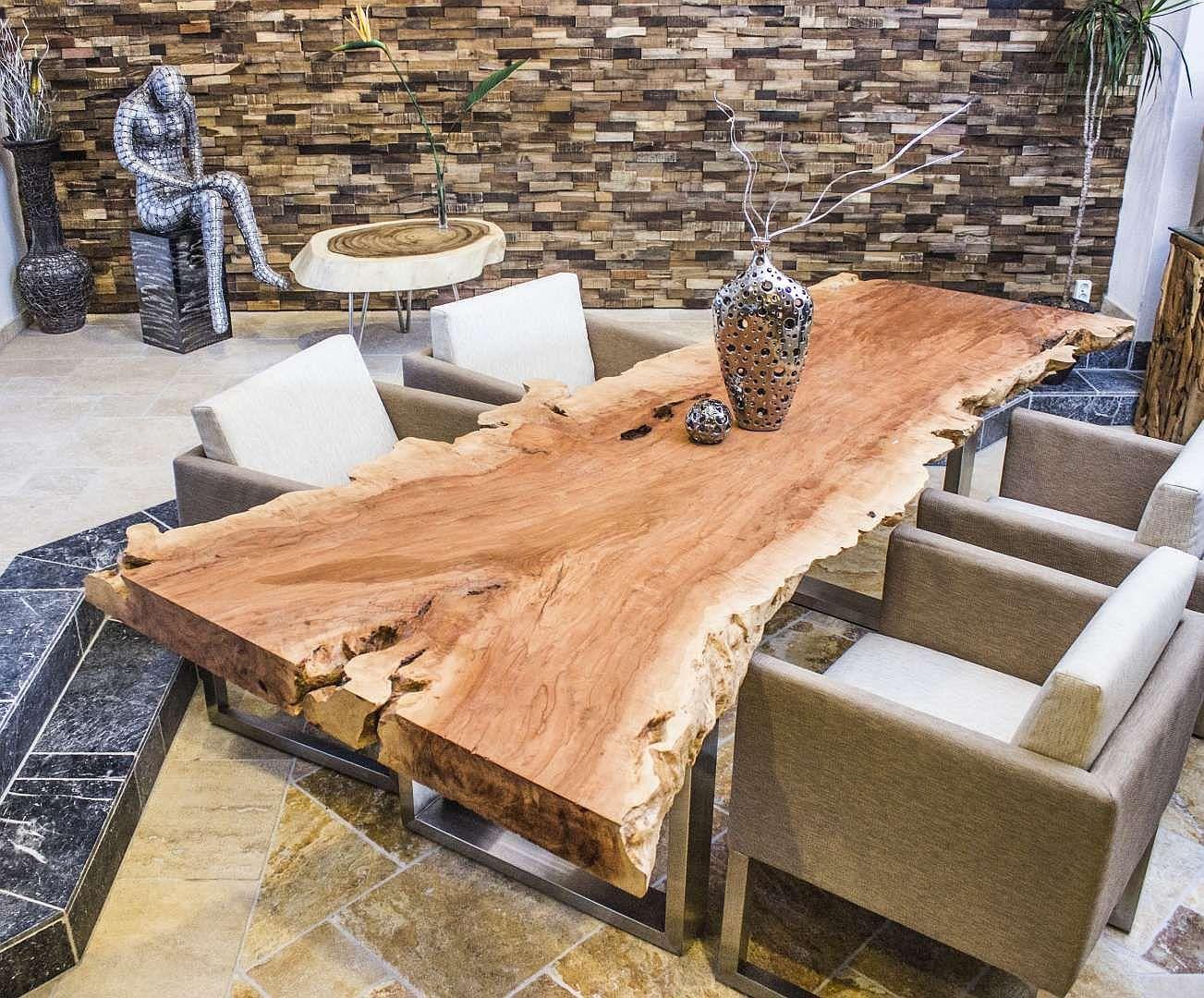 Tischplatte Esstisch Aus Einer Baumscheibe Lychee Gartentisch Holz Tisch Selber Bauen Tisch