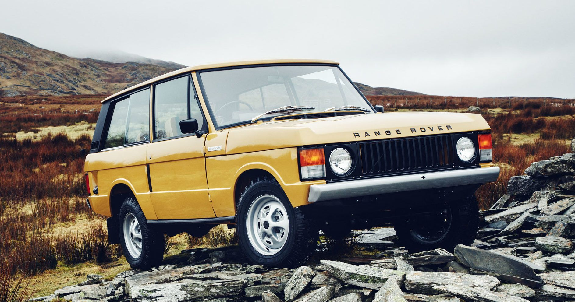 For Just 170k Relive The Past In A Painstakingly Restored 1970s Range Rover Range Rover Classic Range Rover Classic Car Restoration