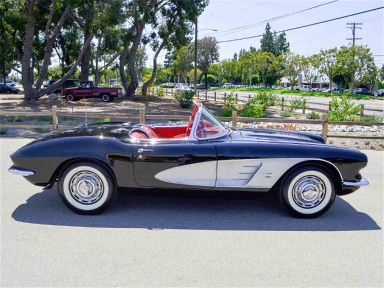 New Car Old Car كاتالوج موديلات سيارات حديثه وسيارات قديمه كلاسيك وعرض سيارات للبيع Chevrolet Corvette Chevrolet Corvette