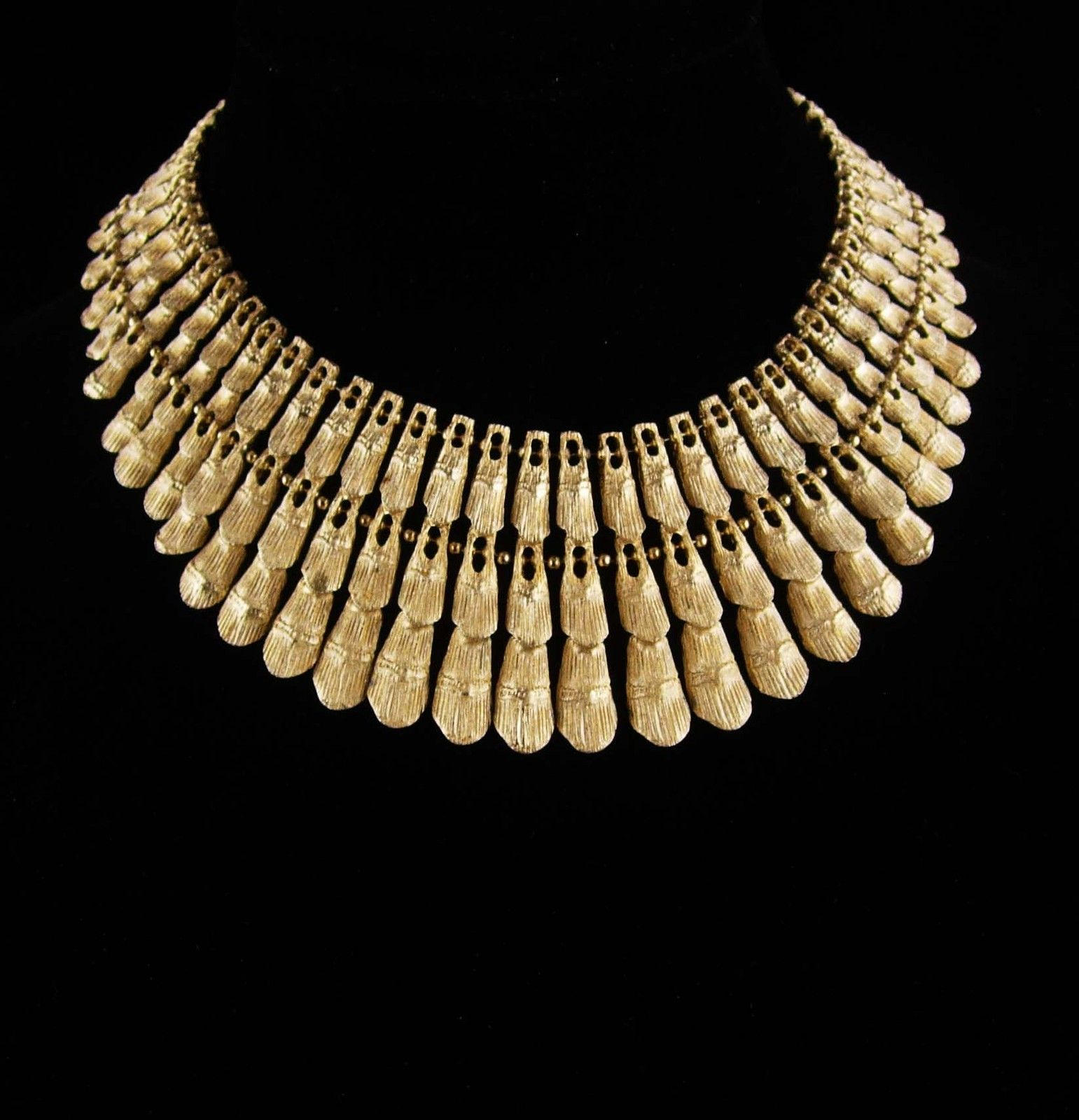 Pin by Cathy Mclemote on Jewelry Gold bib necklace