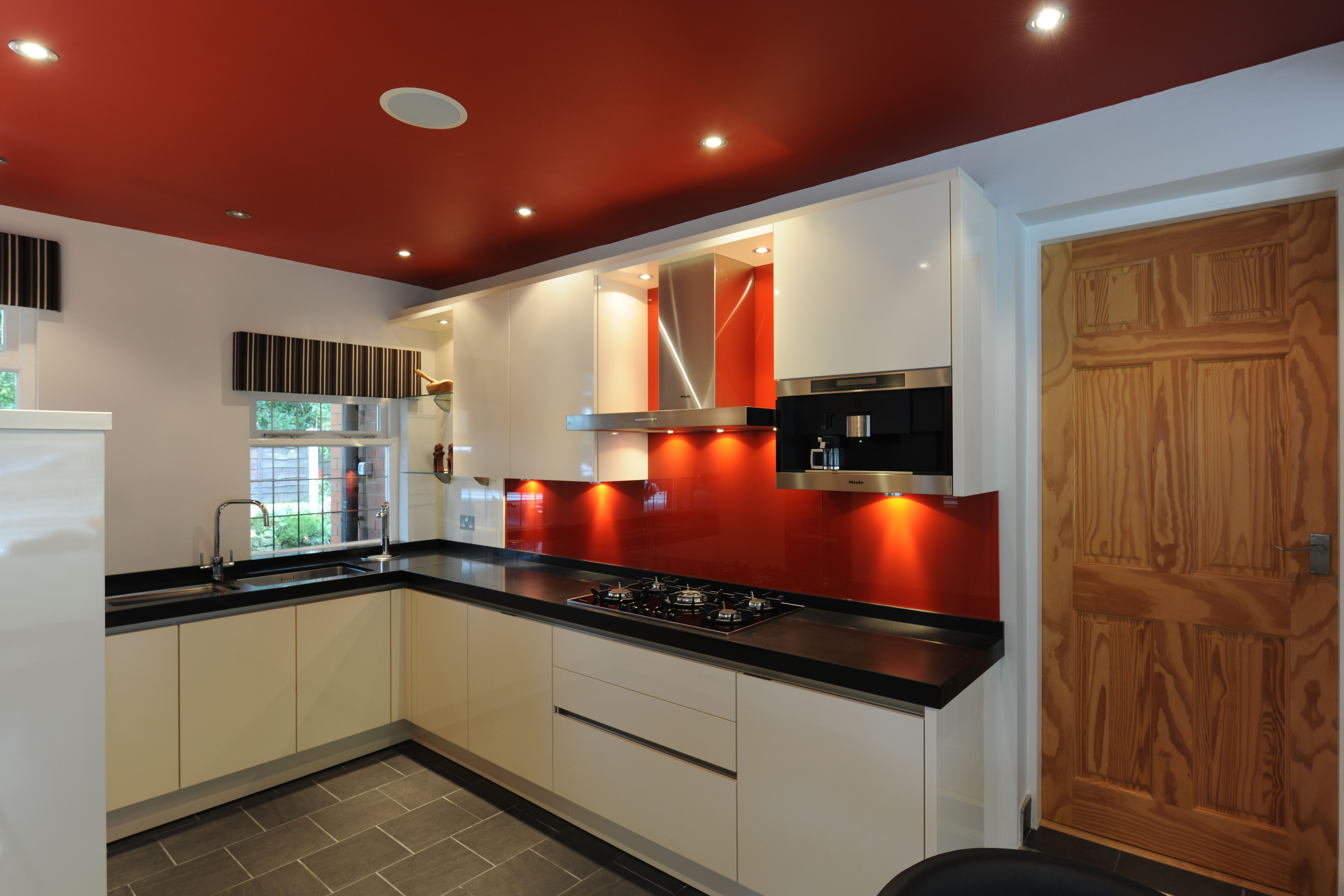 Choosing an vibrant accent colour adds a contemporary twist to a