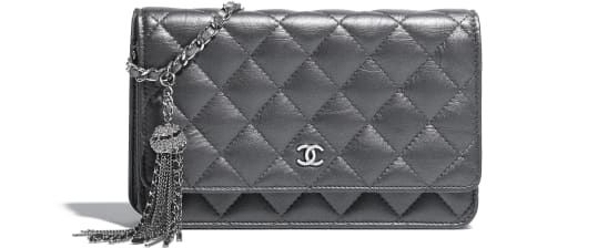 f2671c3dee42 Classic Wallet on Chain, iridescent aged calfskin & ruthenium-finish metal,  silver - CHANEL