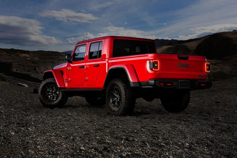 Au 86 450 Jeep Gladiator Launch Edition Celebrates Truck S Arrival In Australia Jeep Gladiator Jeep Jeep Truck