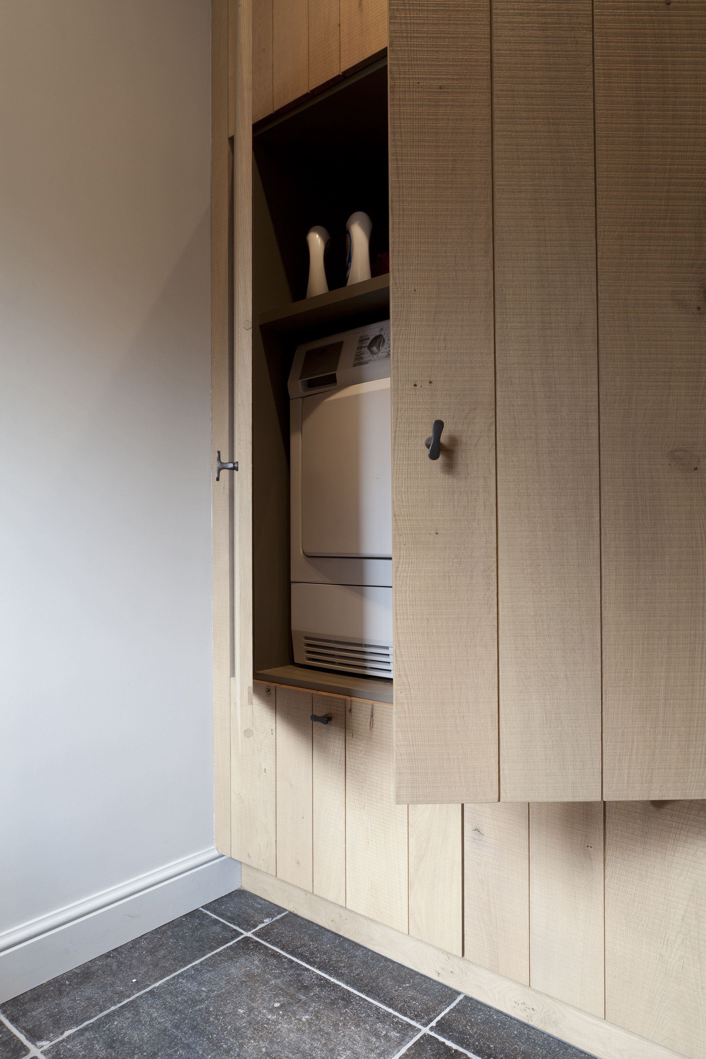 Cabinet to hide the washing machine by luxhome kitchen