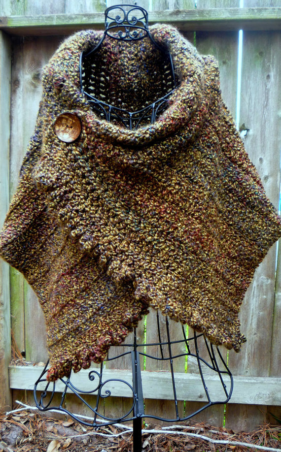 Crochet pattern for ruffled, buttoned wrap   Farb und stilberatung ...