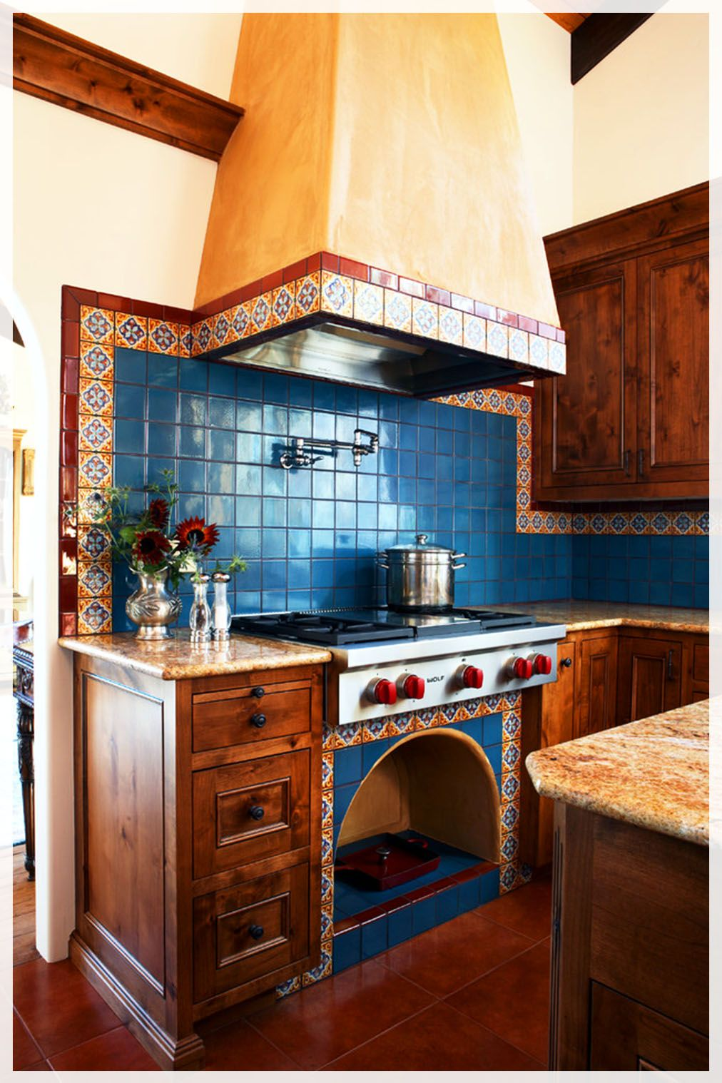 15 Mexican Kitchens Decor In 2020 In 2020 Mexican Kitchen Decor Mexican Style Kitchens Mexican Kitchens