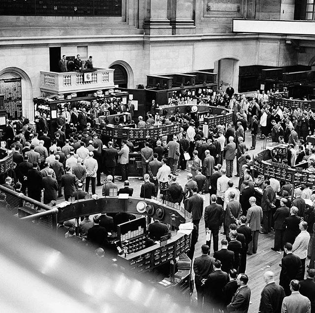 On this day in 1944 the nyse stopped trading from 1100