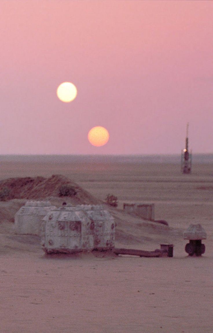 The Lars Homestead And Moisture Farm On Tatooine Star Wars Wallpaper Star Wars Background Star Wars Pictures