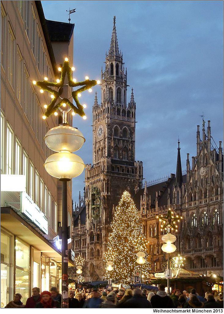 Munchner Weihnachtsmarkt Christmas Fair In Munich Christmas In Germany Christmas In Europe German Christmas Markets