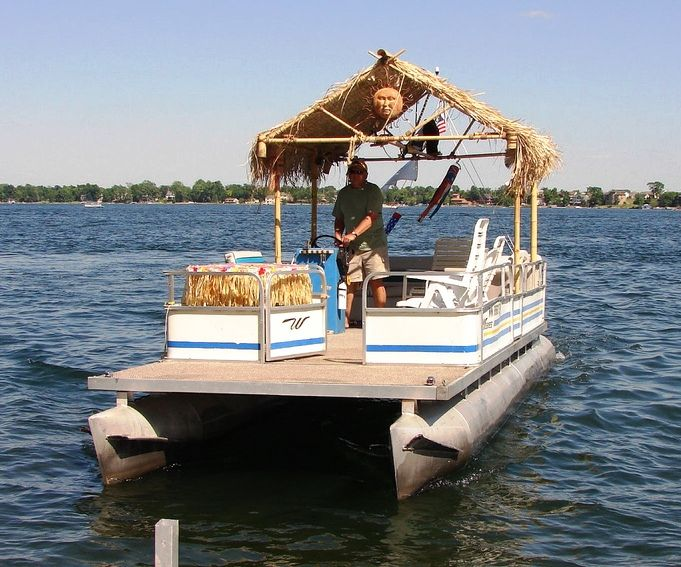 homemade pontoon boat maker here are a few choice pics ...