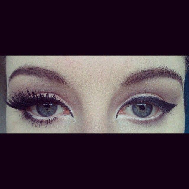 Lashes really finish any eye make-up look <3  Products used for lashes: Benefit Roller Lash Mascara Maybelline Lash Sensational Mascara LashFix Eyelash And Body Adhesive (Black) Ardell 122 Strip Lashes ( X2 Pairs ) Eyelure 145 Strip Lashes ( X1 Pair)  #Girl #MakeUp #MOTD #Eyes #Lashes #Catflicks #Love #BenefitRollerLash