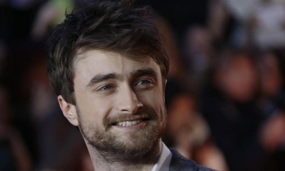 Daniel Radcliffe Net Worth Celebrity Net Worth Daniel Radcliffe Curly Hair Products Uk Curly Hair Men
