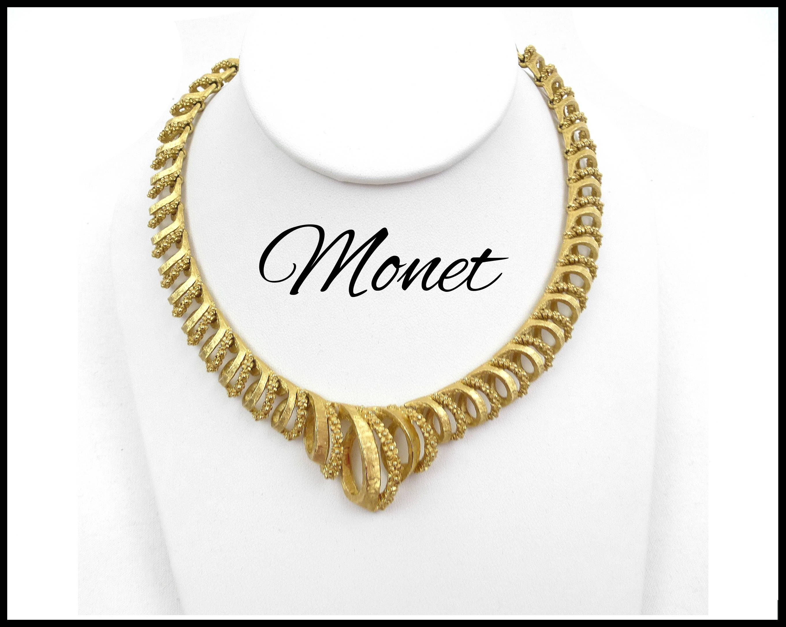 Gold Tone Chain Choker Necklace and Pierced Earrings Set Vintage Gold Statement Necklace Set Gold Chain Choker and Dangle Earrings
