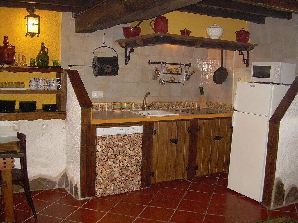 Cocinas con campana rustica buscar con google cocinas pinterest stuffing - Cocinas de obra rusticas ...