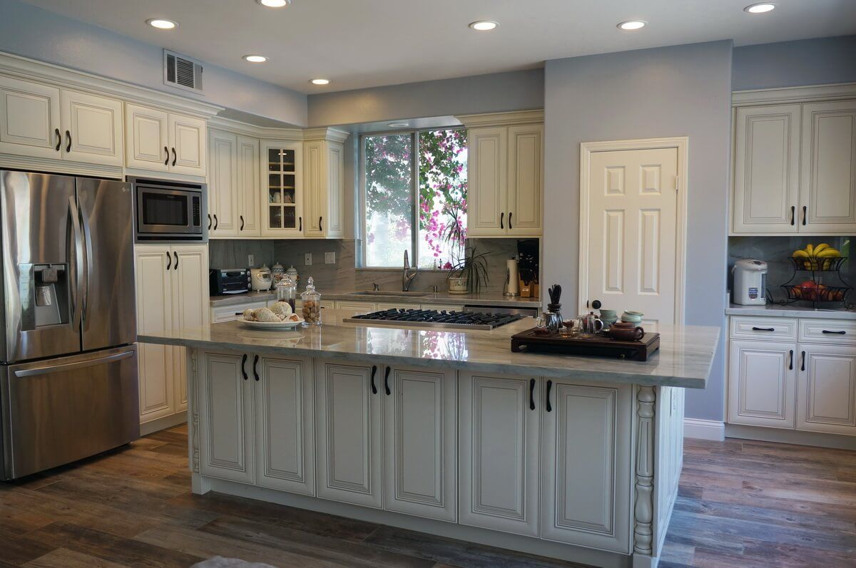 Us Cabinet Depot York Antique White Waverly Cabinets Kitchen Cabinets For Sale Classic Kitchen Cabinets Antique White Kitchen