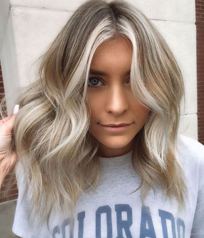 Platinum Blonde Tones And Icy Blue Silver Hair Styles In 2020 Silver Blonde Hair Sliver Hair Color Icy Blonde Hair