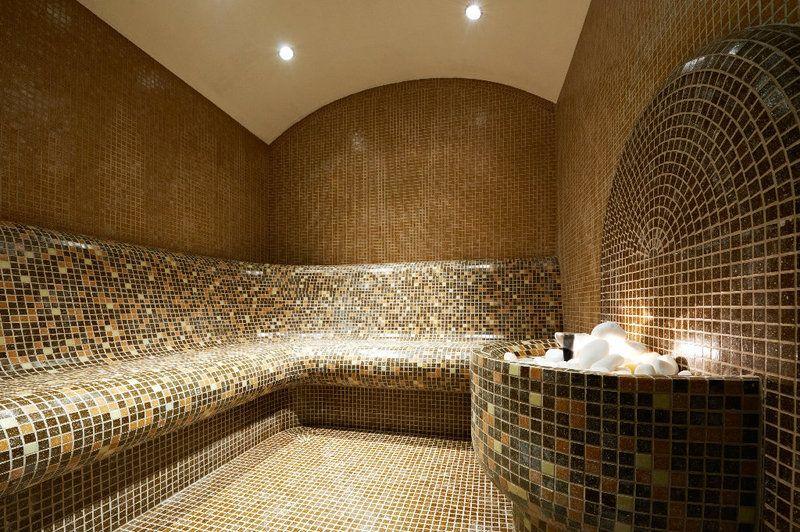 Ein Dampfbad können Sie mit etwas Geschick auch selber bauen - wasserfall selber bauen