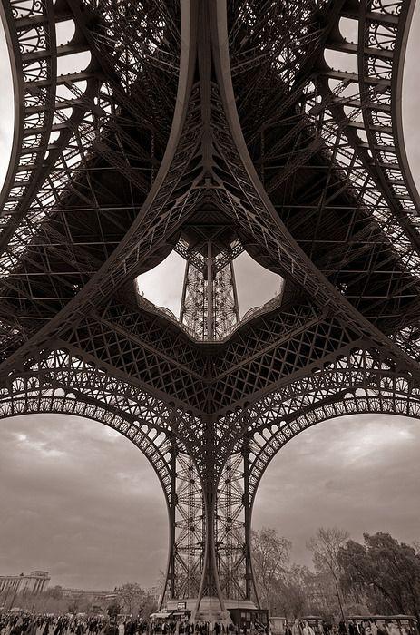 Eiffel Tower. so beautiful.