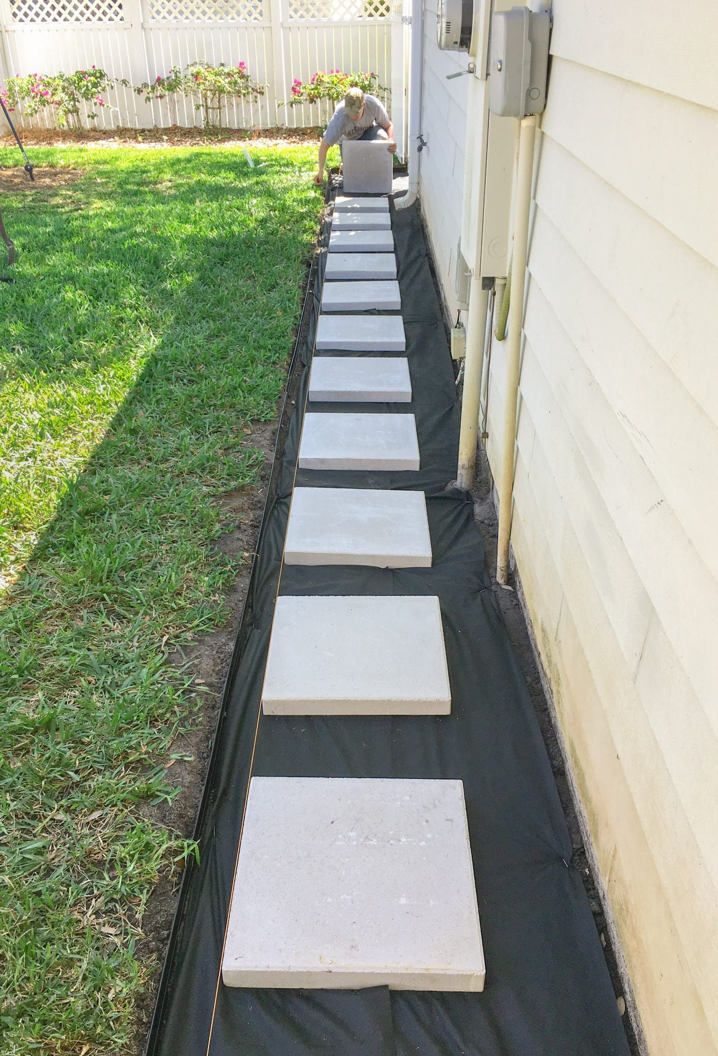 Building the Paver Patio #backyardpatiodesigns