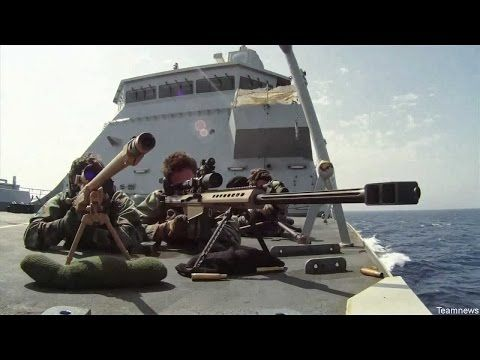 Captain Phillips rescue - US Navy SEAL Sniper vs Somali Pirates - One Shot One Kill - YouTube   My Navy   Pinterest   Krypskyttar, Us navy och Pirater