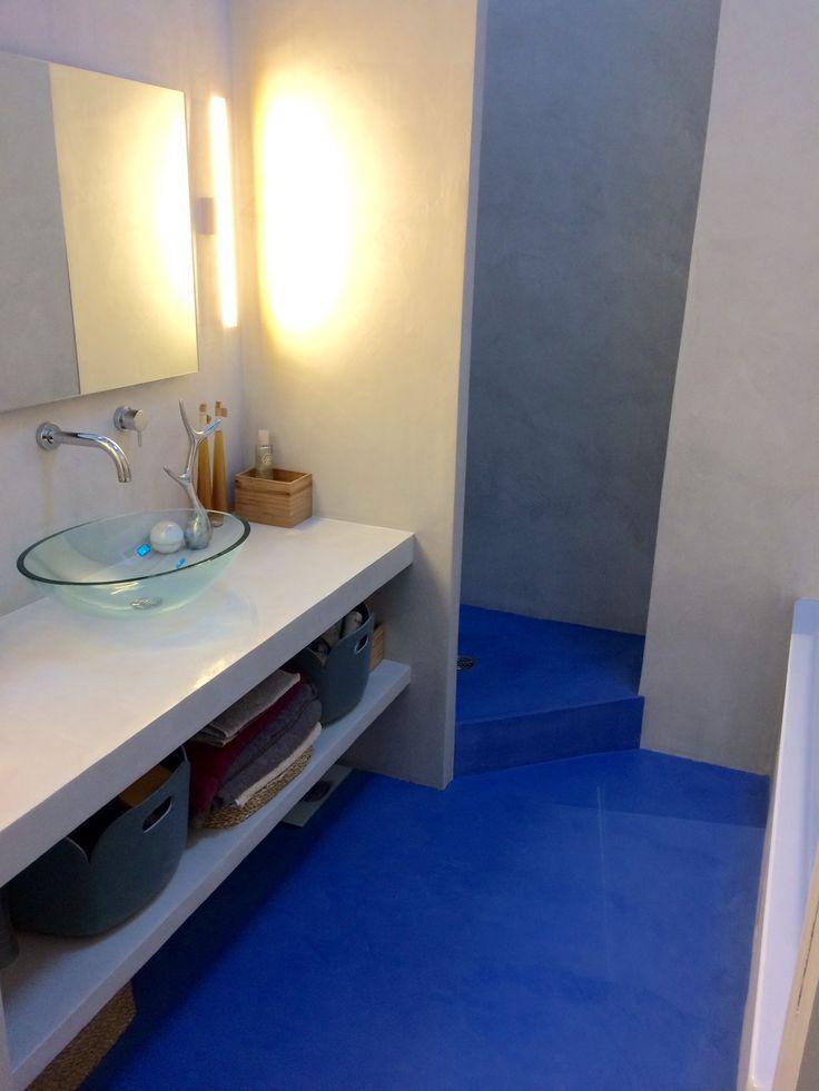 Image result for beton ciré bleu salle de bain Ma Maison - salle de bain en bleu