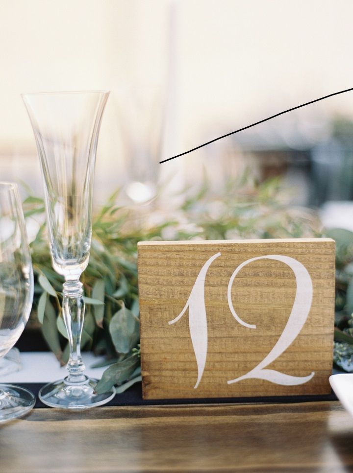 Greenery and wood slide table number | fabmood.com #wedding #weddingtable #fallwedding