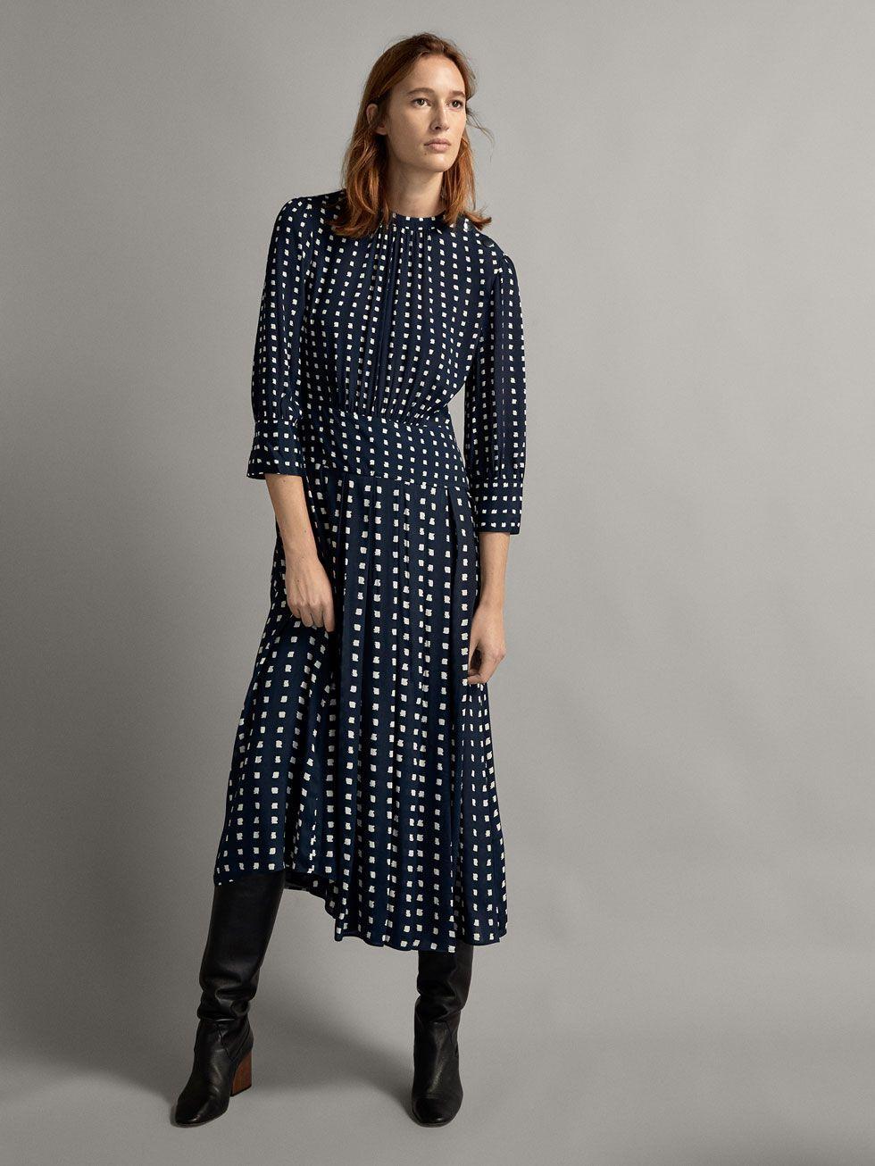 ae0e9ec9ef El vestido del otoño de Letizia vuelve a Massimo Dutti- ElleSpain