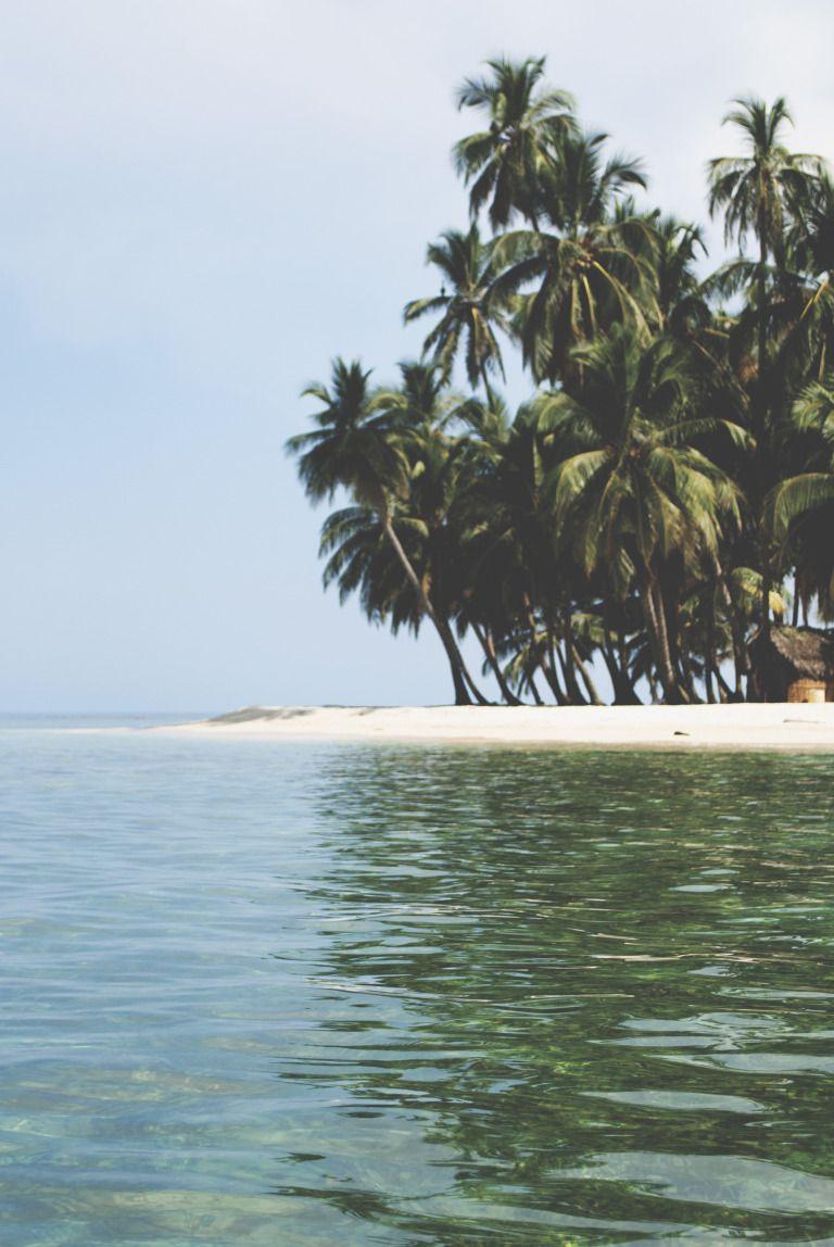 Paradise In Panama Roeiboten Eiland