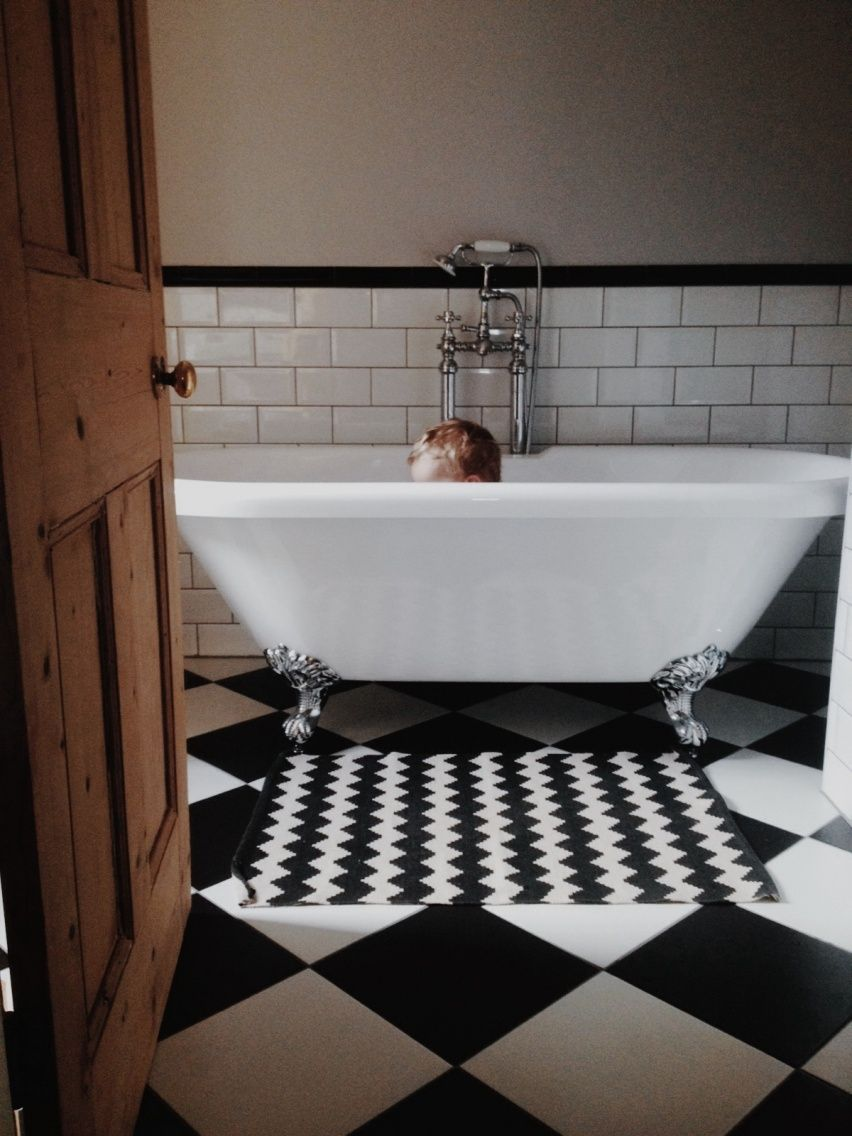End of hallway decor  boyking in the bath  Bain  Pinterest  Bath
