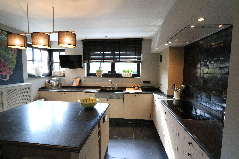 Landelijke keuken met eiland - Claes Interieur | Interieur Landelijk ...