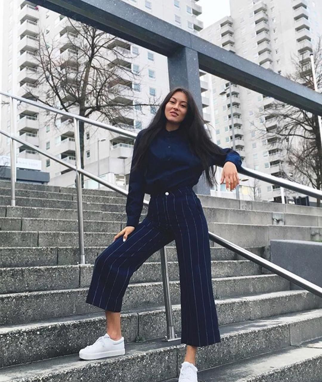 faec8d143 Nila knows how to #monkistyle | Cropped trousers | Fashion, Outfits ...