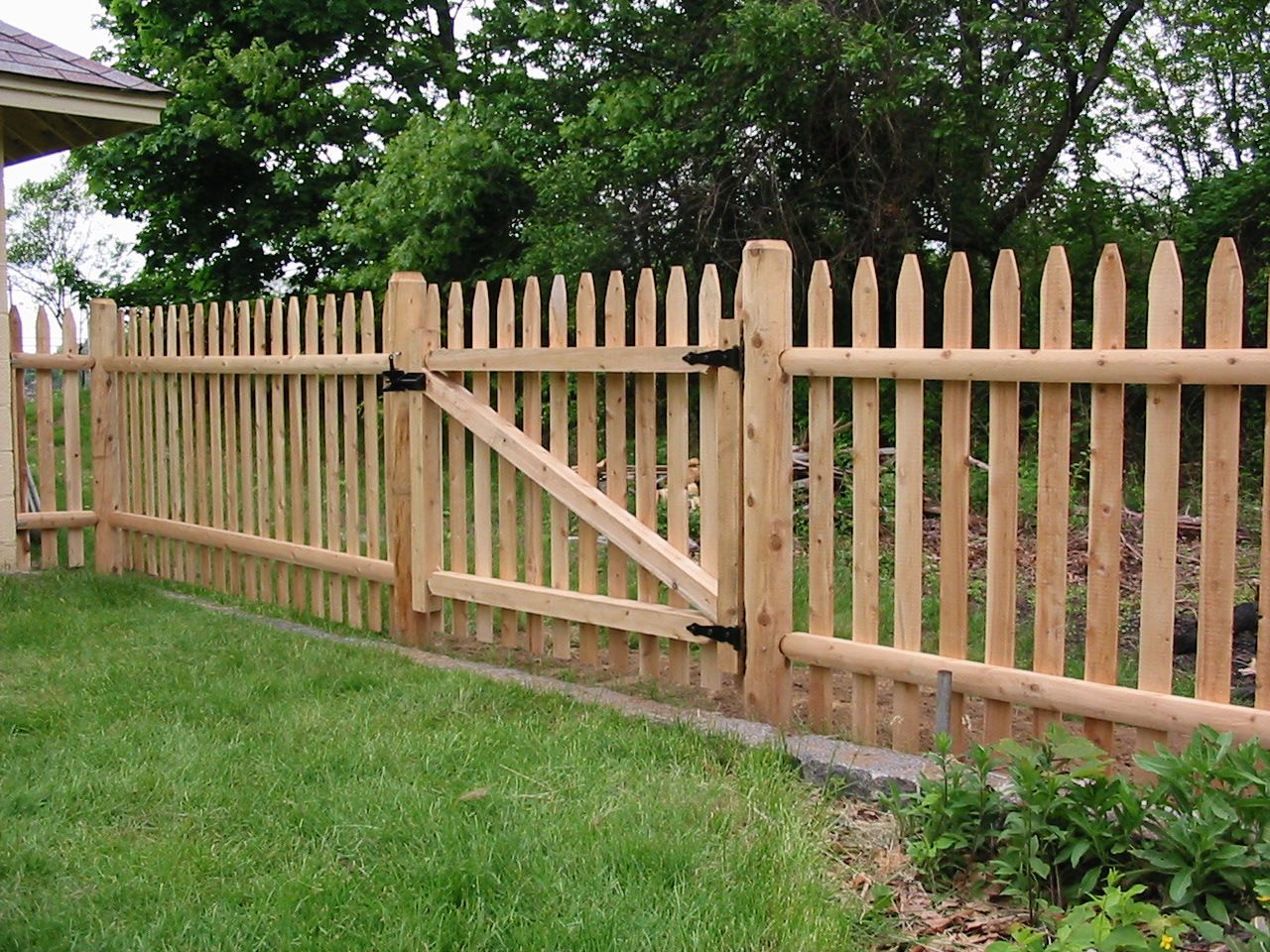 Types of wood fences for backyard types of wood fences for backyard