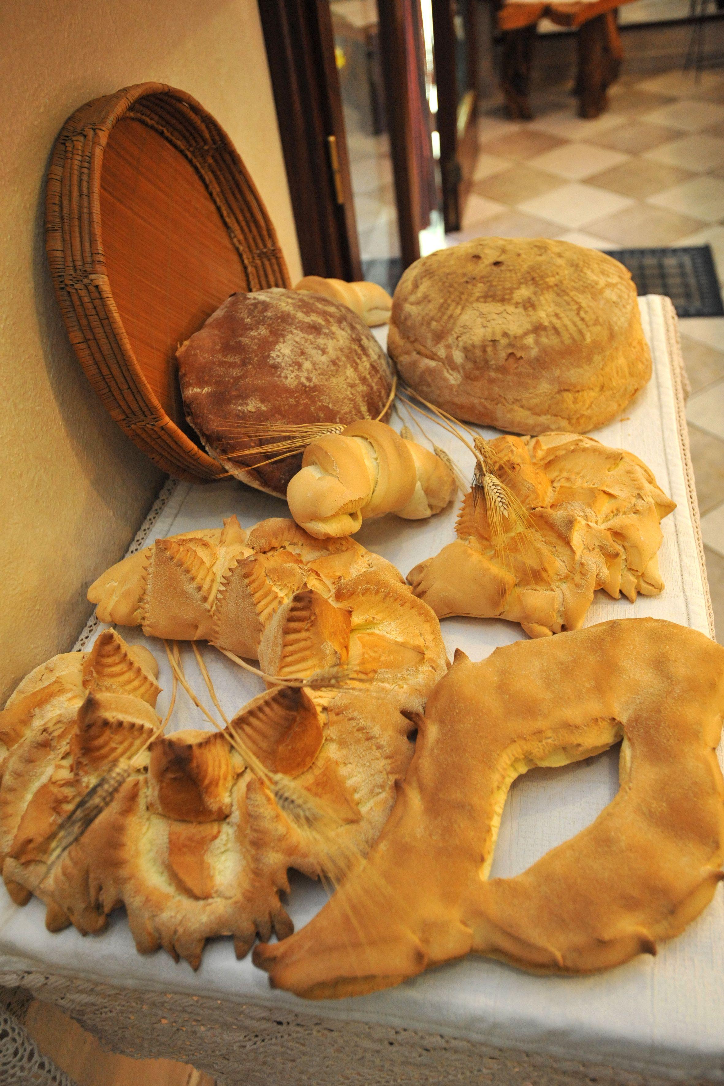 Forme di pane sardo