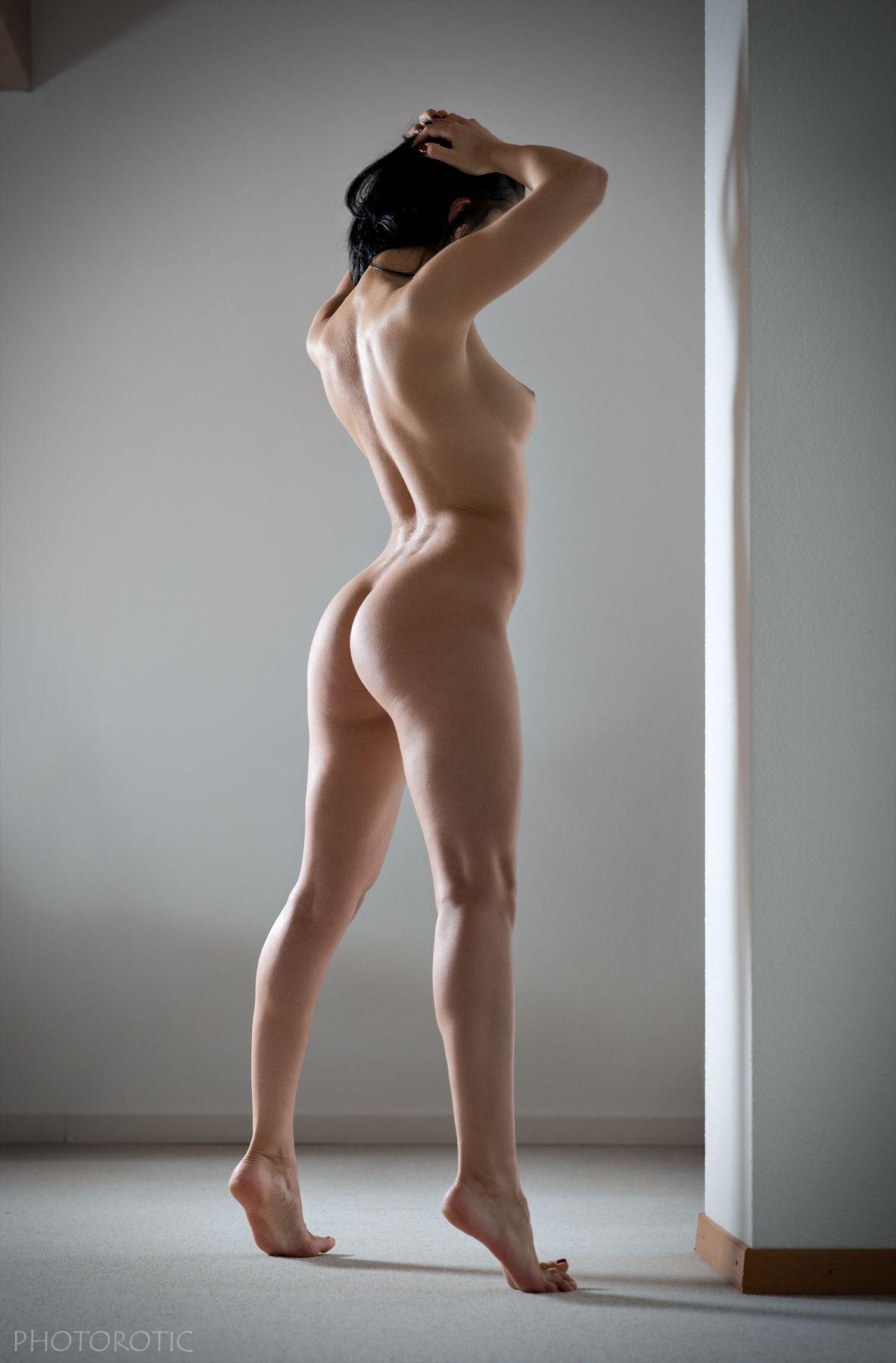 Simple nude artistic nude photo by photographer francois benveniste