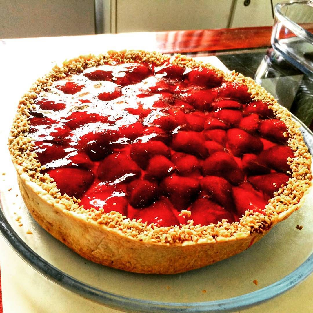 Torta de morango!  #strawberry  #pie