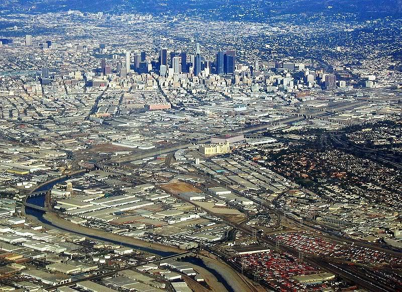Los Angeles And The Famous La River Los Angeles Earthquake City Los Angeles