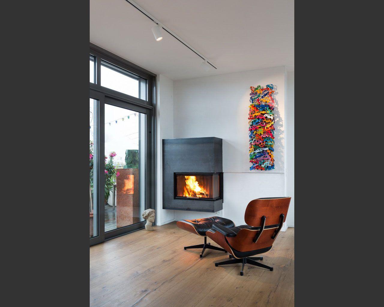 ein h ngender zweiseitig einsehbarer holzkamin die verkleidung besteht aus 4 mm starkem. Black Bedroom Furniture Sets. Home Design Ideas
