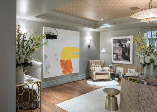The art aficionado's #lounge, by Terri Pakravan of Décor Dose. #fine #art #interior #design