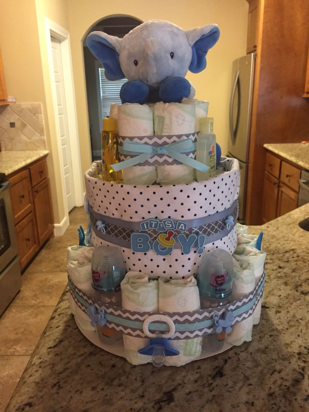 elephant diaper cake casey 39 s creations pinterest elephant diaper cakes diaper cake boy. Black Bedroom Furniture Sets. Home Design Ideas