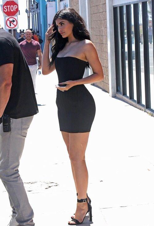 Imagem De Kylie Jenner Summer En 2019 Trajes Kylie